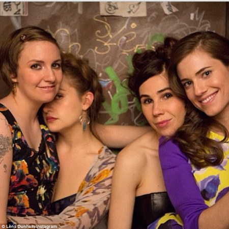 lena dunham - girls - season 3 - instagram - handbag