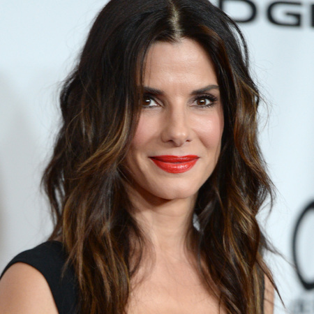 Sandra Bullock - red lipstick - hollywood film awards 2013 - handbag.com