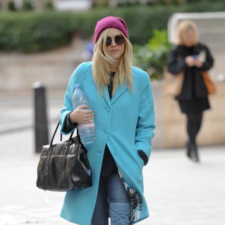 Fearne Cotton - aqua blue coat - mulberry bayswater bag - handbag