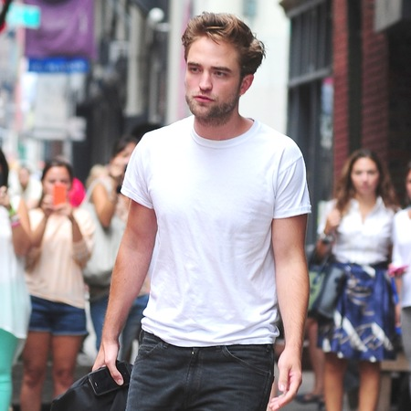 Hot celebrity men in white t-shirts