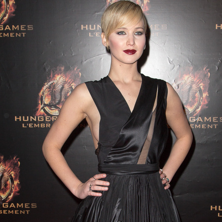 jennifer lawrence in black dior dress - hunger games catching fire paris premiere - november 2013 - handbag.com