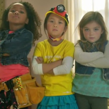 GoldieBlox girls advert - construction toys - pinkification of toys - Christmas presents - sexism - watch video - handbag.com