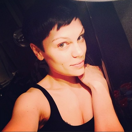 jessie j new hair - blonde to black hair - jessie j hairstyles and hair cuts - handbag.com