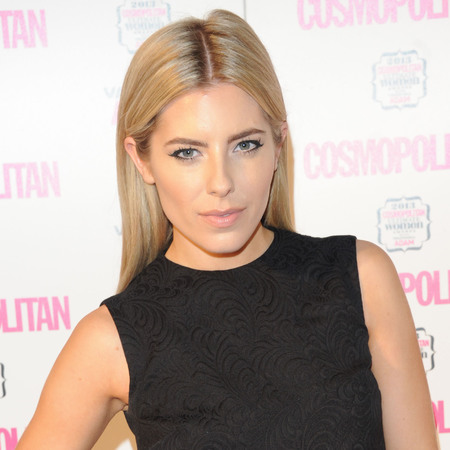 Mollie King does nude makeup