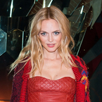 Heather Graham's outfit makes our heads hurt