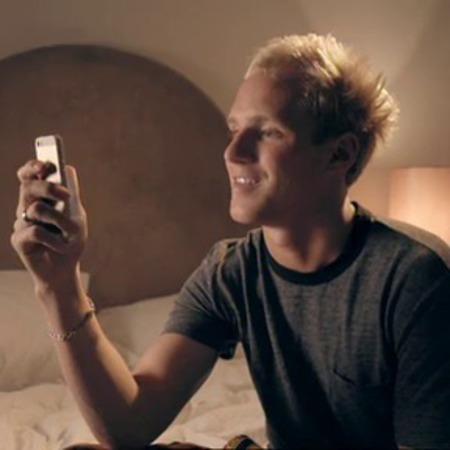 Jamie Laing - Made In Chelsea - series 6 - phoebe comes between alex and binky - drunk texting - handbag.com