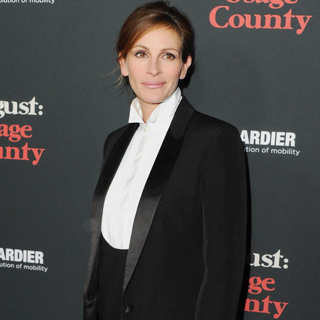julia roberts in masculine fashion trend - suit and tuxedo trend - blazer white shirt and pencil skirt - handbag.com
