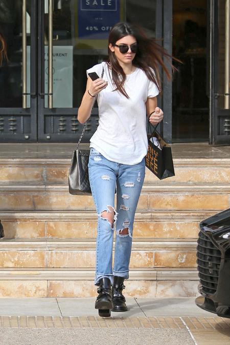 Kendall Jenner - LA sightings - chanel handbag - full outfit - handbag.com