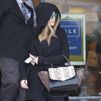 Khloe Kardashian's camel toe is 'in charge'