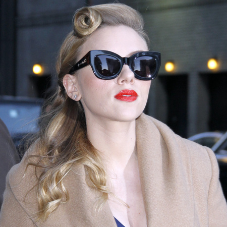 scarlett johansson vintage hair and makeup - how to do victory roll - retro beauty trend - handbag.com