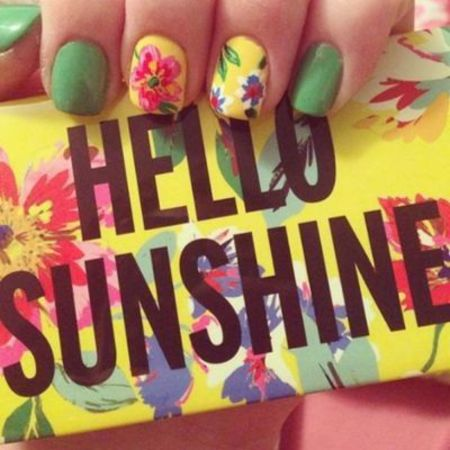 feel good nail art designs - to make you smile - flowerly sunshine nails- handbag.com