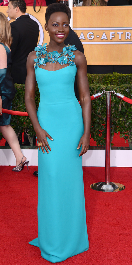 lupita nyongo in blue dress - sag awards 2014 - celebrity fashion trends - handbag.com