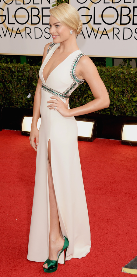 wolf of wall street margot robbie at golden globes 2014 - white dress and thigh high split - celebrity awards season dresses - handbag.com