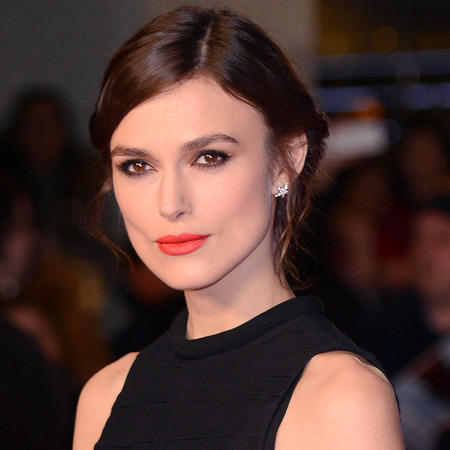 keira knightley at london jack ryan shadow recruit premiere - black outfit and bow shoes - orange chanel lipstick - handbag.com