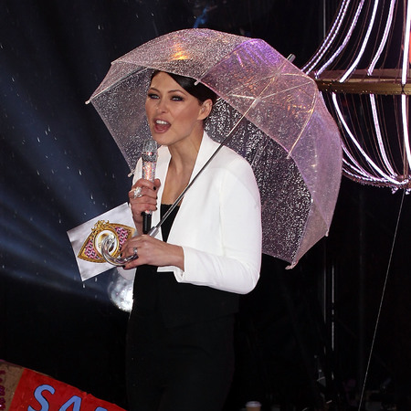 emma-willis-celebrity-big-brother-cbb-final-outfit-topshop-jumpsuit-and-jacket-handbag.com