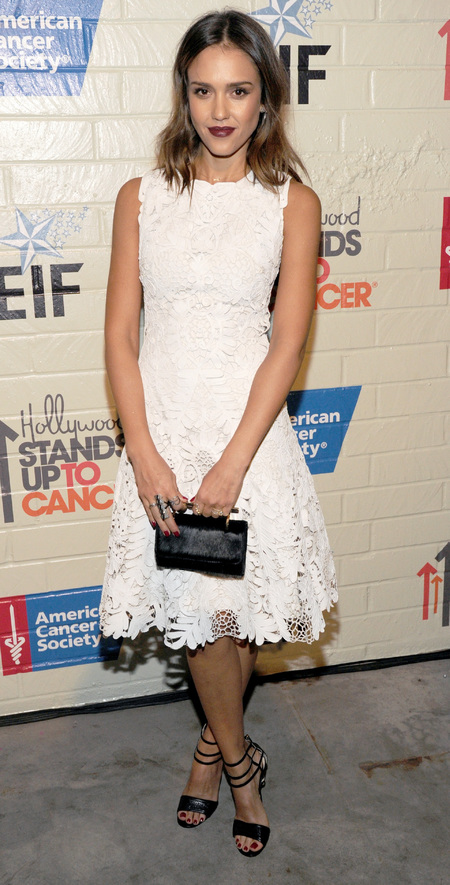 jessica alba white lace dress - stand up to cancer - dark berry lipstick and red nails - celebrity white fashion trend - handbag.com