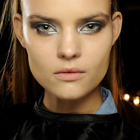 autumn winter 2014 makeup trends - metallic silver eye shadow smoky eyes - new york fashion week - handbag.com