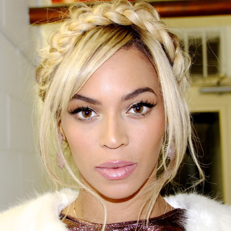 beyonce does the wrap around plait trend - plait hairband - celebrity hair trend - handbag.com