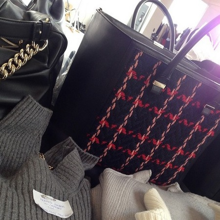 designer handbag trends at new york fashion week - autumn winter 2014 - wool check tote bag at victoria beckham - handbag.com