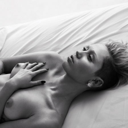 Miley Cyrus - Naked bed shoot for W magazine - naked celebrity pictures - selfie - instagram - future of fashion - celebrity and fashion news - handbag.com