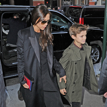 Victoria Beckham - new seaon clutch bag - new york fashion week - handbag.com