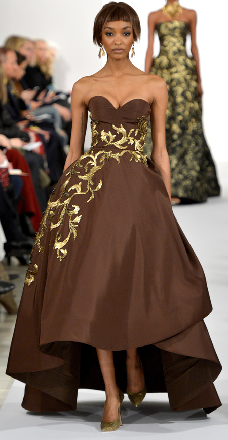 model jourdan dunn on the runway for oscar de la renta - iconic supermodels - handbag.com