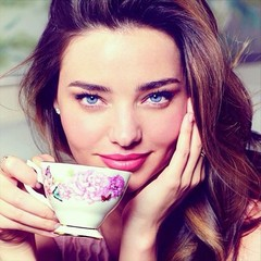 miranda kerr - tea set - royal albert - news - handbag.com