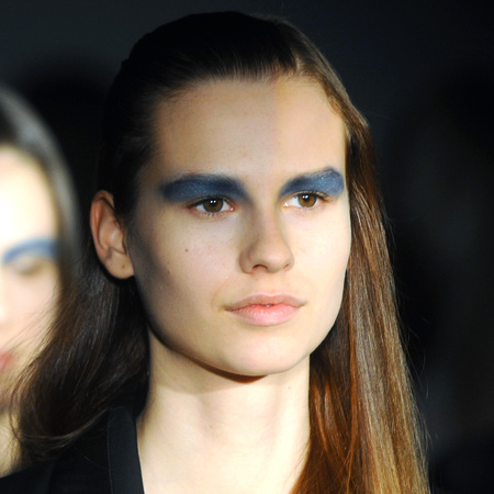 blue eye makeup trend - london fashion week autumn winter 2014 - todd lynn show - handbag.com