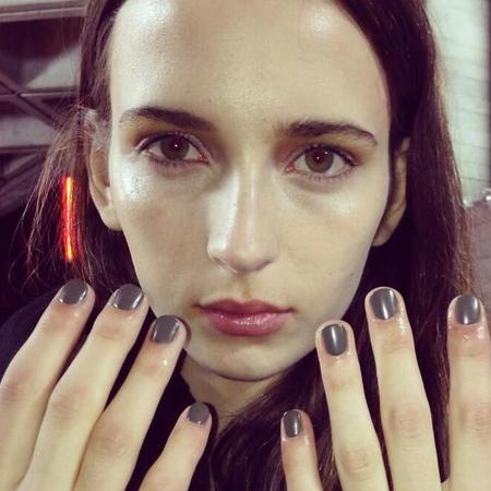 khaki nails at preen london fashion week show - dark green grunge nail trends - aw14 beauty trends - handbag.com