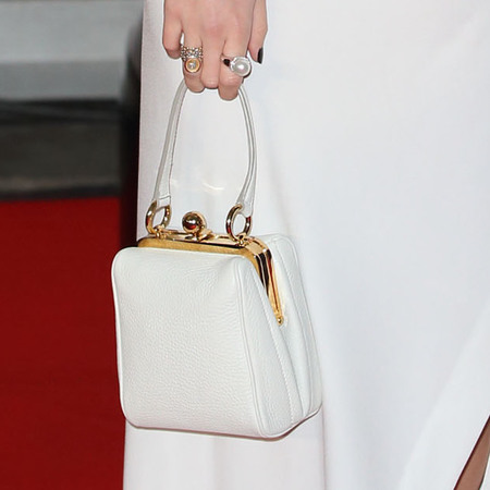 pixie lott at 2014 brit awards - white dkny dress - eyeliner flicks - celebrity trends - handbag.com