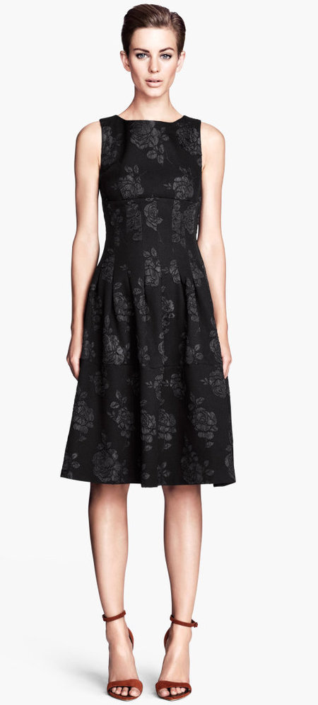 Miranda Kerr's black brocade dress at H&M's Paris Catwalk Show - Autumn Winter 2014 - high street fashion news - catwalk collections - handbag.com