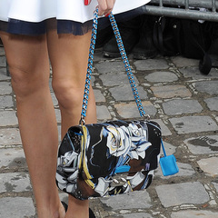 olivia palermo dior handbag - paris fashion week autumn winter 2014 - blue printed handbag - handbag.com