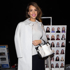 Jessica Alba, champion of the mini tote