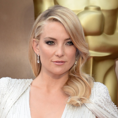 Kate Hudson - Oscars 2014 red carpet fashion - celebrity fashion - red carpet dresses - fashion news - handbag.com