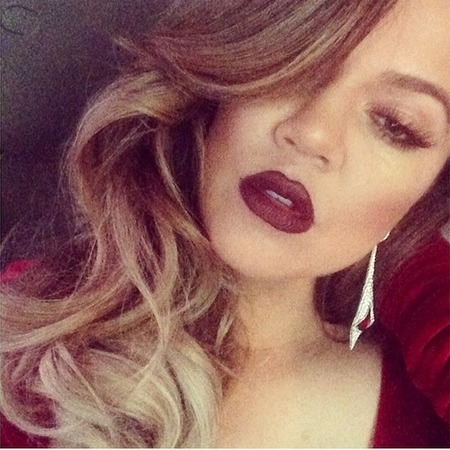 Khloe Kardashian wears berry lips trend - celebrity make-up trends - beauty how-to - beauty looks - make-up ideas - handbag.com