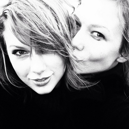 Taylor Swift and Karlie Kloss go hiking - Taylor Swift's celebrity friends - celebrity best friends - celebrity news - handbag.com