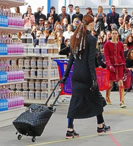 Chanel - shopping trolly - paris fashion week - autumn winter 2014 - handbag.com