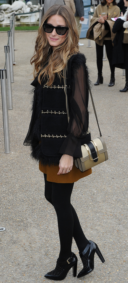 Olivia Palermo shows off her Chloe handbag