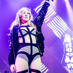 Ellie Goulding talks wardrobes. Pot, kettle 'skank'