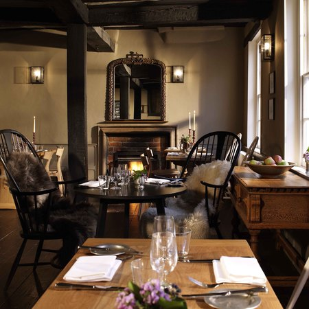 The Crown hotel in Amersham dining room - travel - hotel review- handbag.com