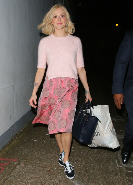 Fearne Cotton - 90s fashion trends - pink skirt and adidas trainers - handbag.com