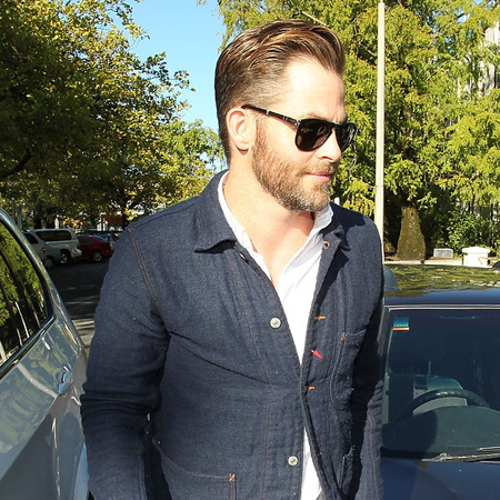 Chris Pine arrives at court on drink offences - drink driving celebrities - new zealand - celeb news - handbag.com