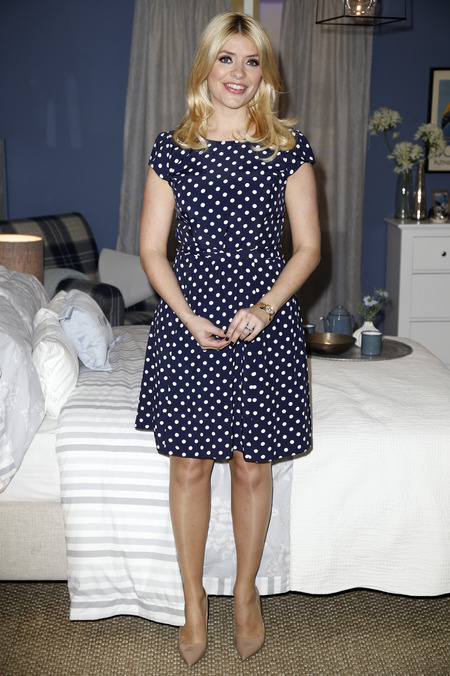 Holly Willoughby - blue polka dot dress - nude shoes - how to dress when you're expecting - handbag.com