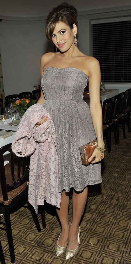 eva mendes clothing collection - eve mendes grey lace dress - how to make ryan gosling your boyfriend - handbag.com