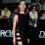 Celebs get leggy for attention on red carpet