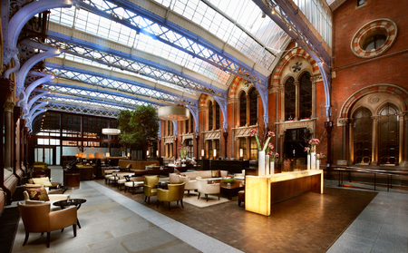 Renaissance Hotel Kings Cross London - London Hotel Review - London travel guide - Hotel reviews - hotel lobby - travel - handbag.com