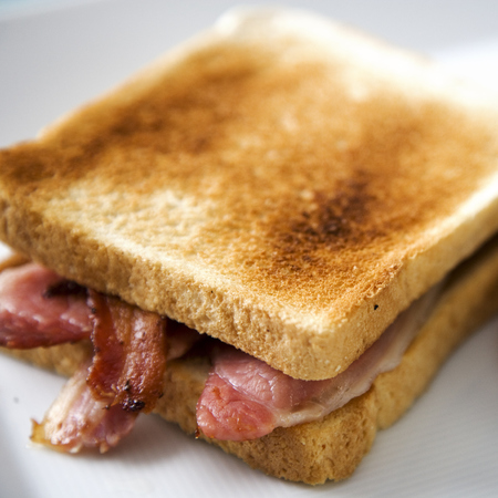 ultimate bacon sandwich - breakfast sandwich - bacon sarnie with ketchup - handbag.com