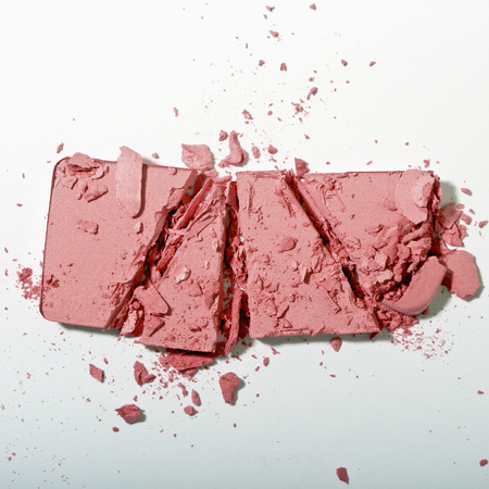 How to clean make up spills - broken blusher - handbag.com