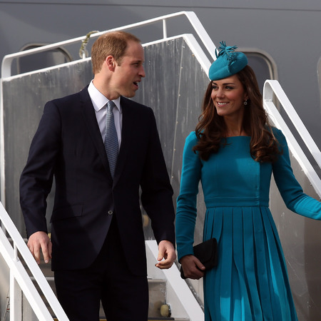Kate Middleton - blue dress and matching hat - airplane - new zealand and australia tour - handbag.com