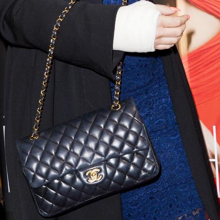 kimberley walsh pregnant - broken wrist - baby bump - chanel quilted black handbag - handbag.com